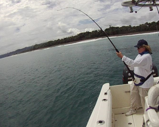 lisa-reeling-rooster-costa-rica-august-2016-inshore